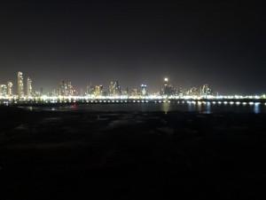 Skyline von Panama City bei Nacht
