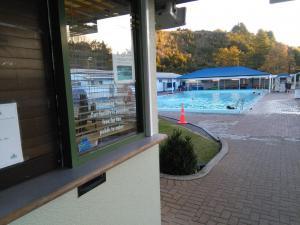 Kostenloser großer Swimmingpool!